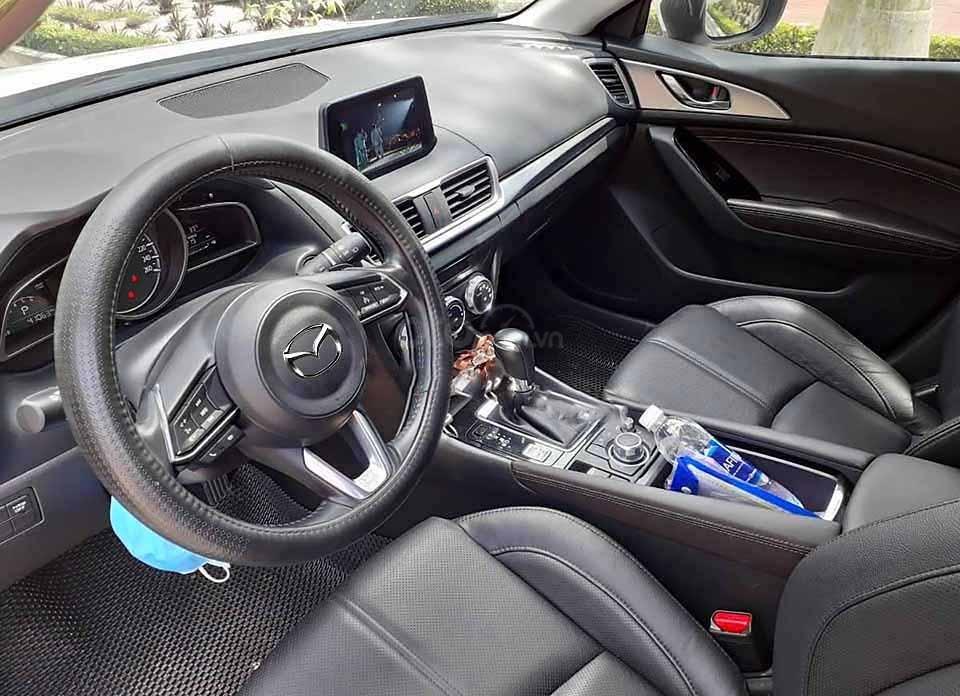 Bán xe Mazda 3 1.5 AT đời 2018, màu trắng còn mới  (2)