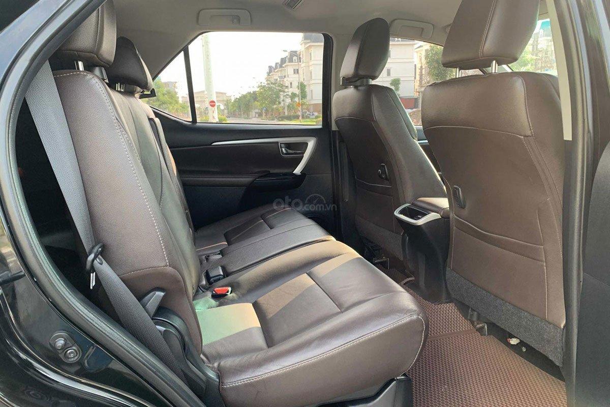 Hàng ghế thứ 2 Toyota Fortuner 2017 1