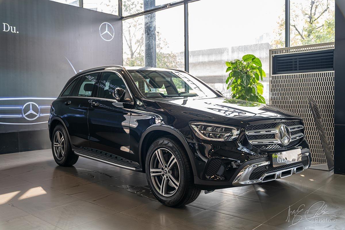 Giá xe Mercedes-Benz GLC 200 a1