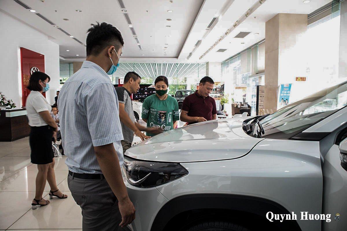 Toyota Corolla Cross 1.8G 2020 về đại lý, thu hút khách hàng không kém Kia Seltos a4