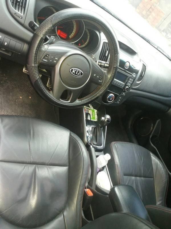 Cần bán xe Kia Cerato 2011, màu đen, xe nhập (6)