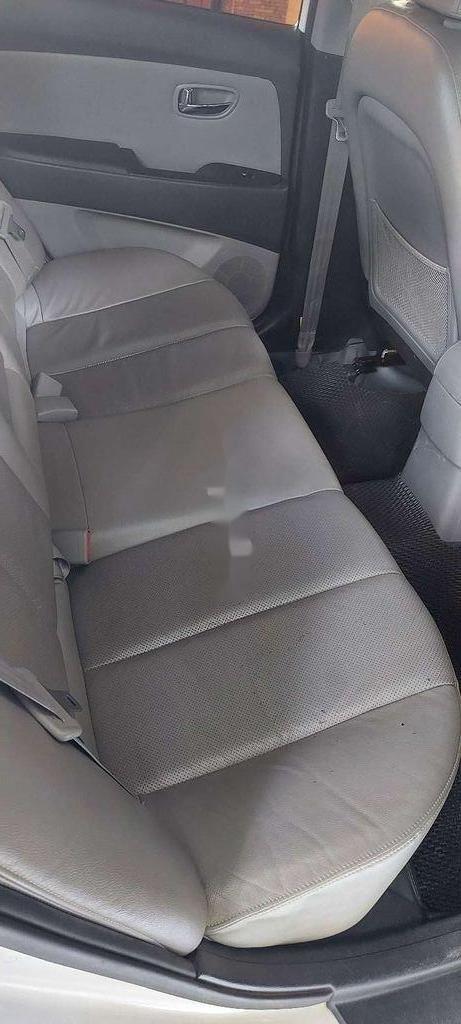 Gia đình bán Hyundai Avante đời 2014, màu trắng  (11)