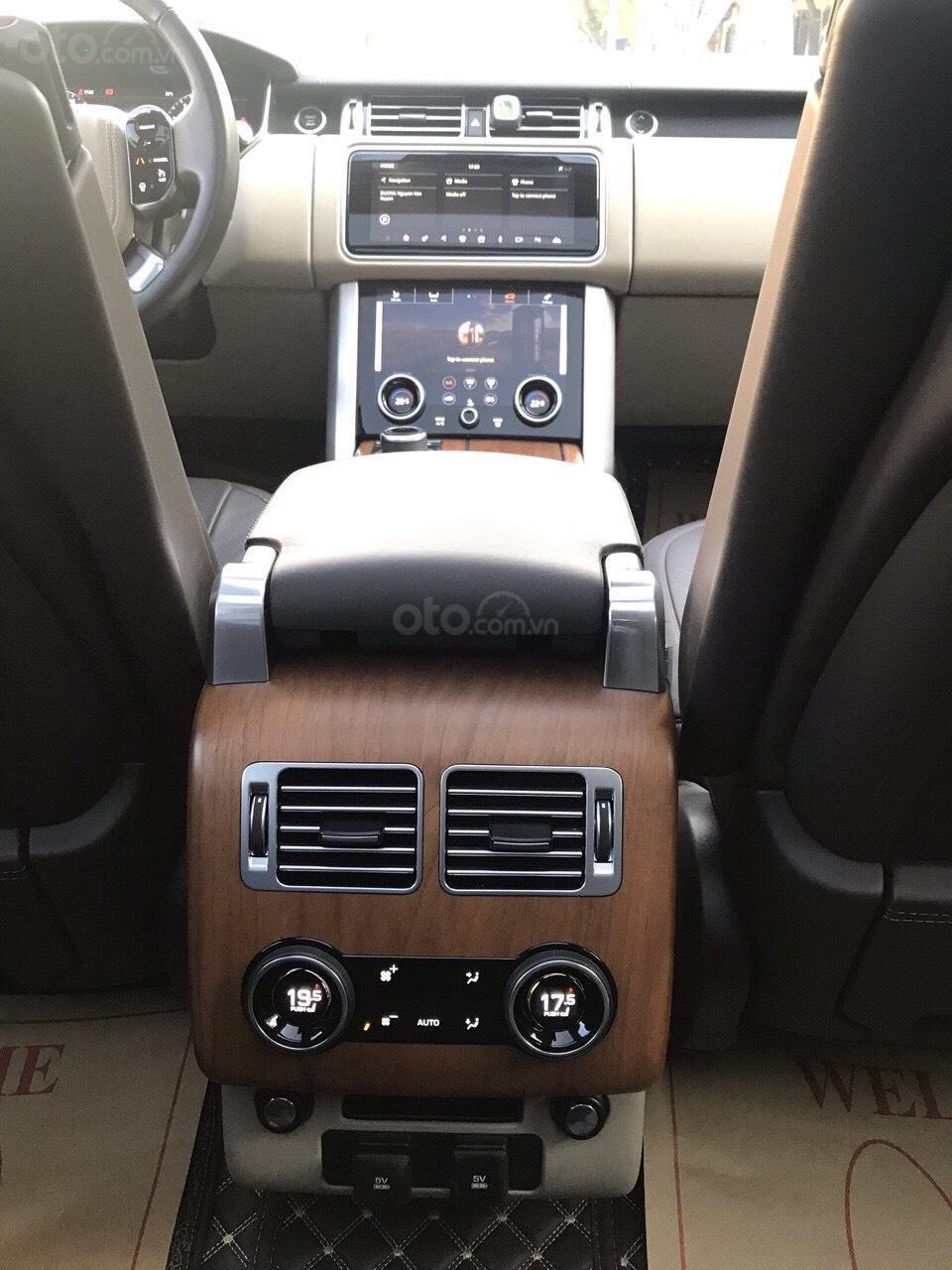 Siêu mẫu Anh quốc LandRover Range Rover Vogue hàng cực hiếm (4)
