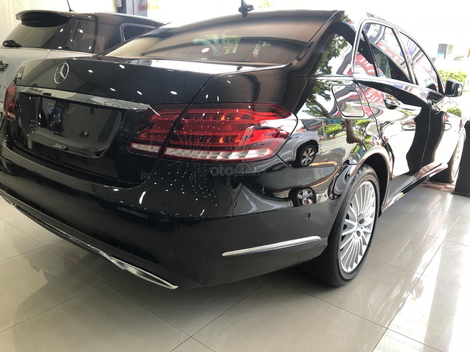 Cần bán xe Mercedes-Benz E200 sản xuất 2015, ĐKLĐ 2016 (4)