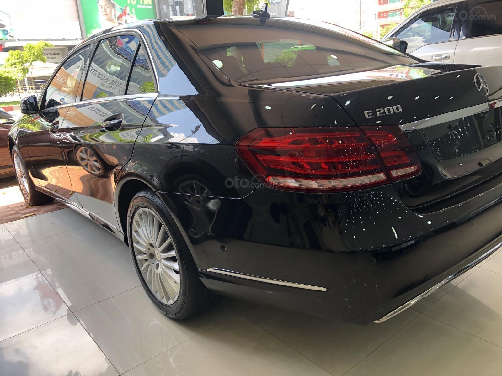 Cần bán xe Mercedes-Benz E200 sản xuất 2015, ĐKLĐ 2016 (5)