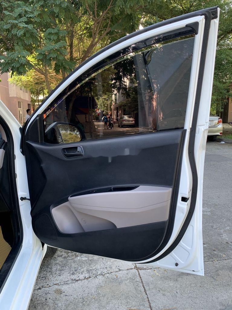 Cần bán lại xe Hyundai Grand i10 sản xuất 2015, màu trắng, nhập khẩu   (10)