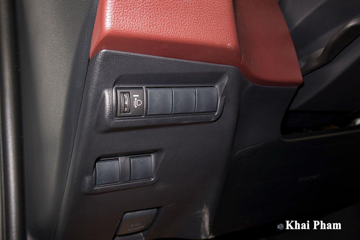 Ảnh Chỉnh đèn xe Toyota Corolla Cross 1.8G 2020