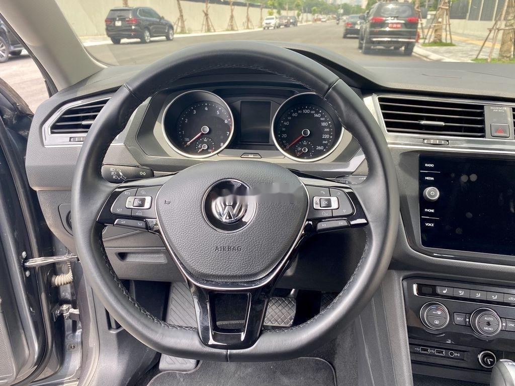 Cần bán lại xe Volkswagen Tiguan 2018, màu xám, nhập khẩu nguyên chiếc (8)