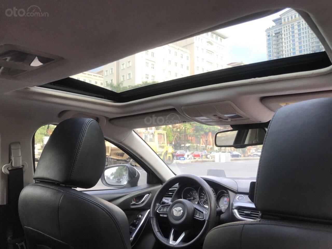 Siêu mẫu Mazda 6 2.0 trắng Ngọc Trinh, hoa hậu 2018 (7)