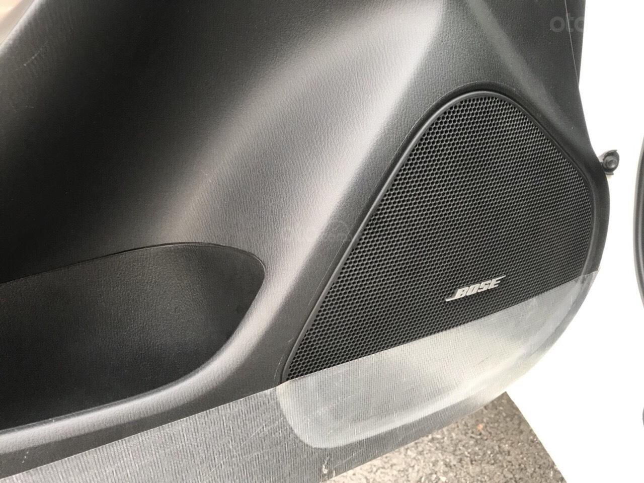Siêu mẫu Mazda 6 2.0 trắng Ngọc Trinh, hoa hậu 2018 (11)