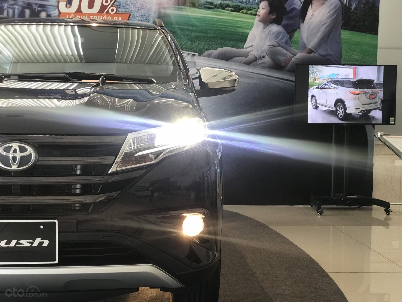 Toyota Rush nhập khẩu nguyên chiếc, khuyến mãi khủng tháng 9/2020, xe đủ màu giao ngay (2)