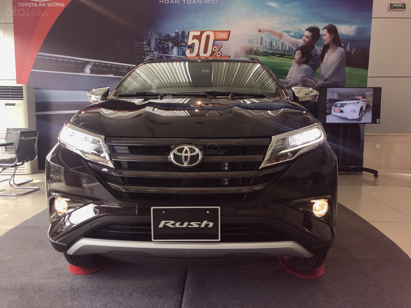 Toyota Rush nhập khẩu nguyên chiếc, khuyến mãi khủng tháng 9/2020, xe đủ màu giao ngay (4)