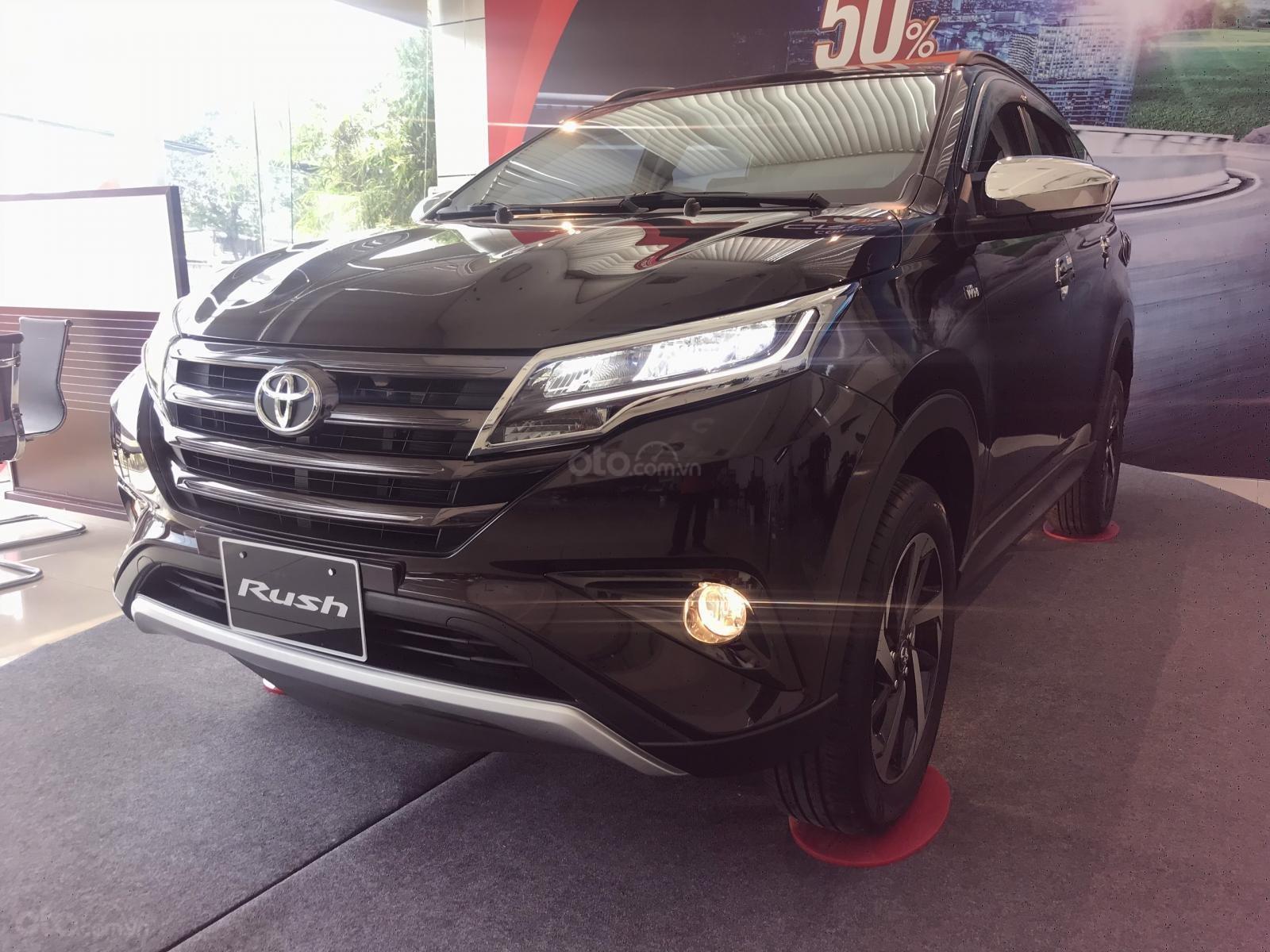 Toyota Rush nhập khẩu nguyên chiếc, khuyến mãi khủng tháng 9/2020, xe đủ màu giao ngay (5)