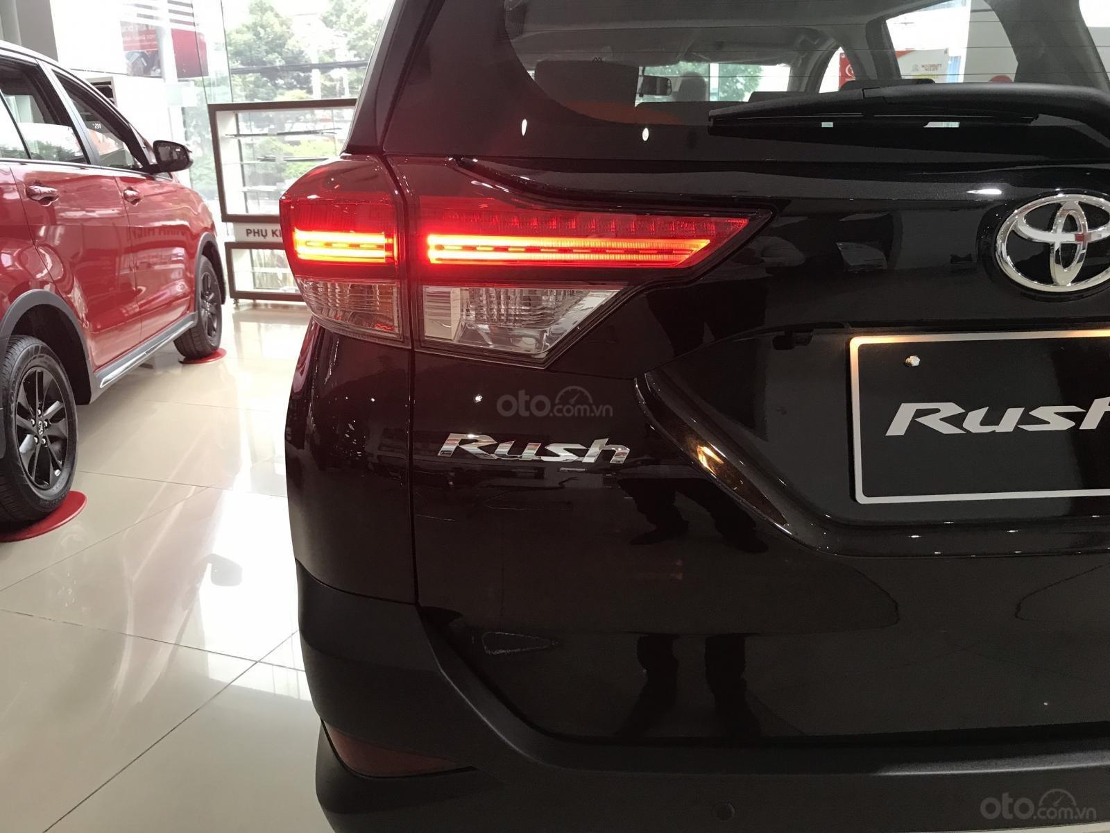 Toyota Rush nhập khẩu nguyên chiếc, khuyến mãi khủng tháng 9/2020, xe đủ màu giao ngay (11)