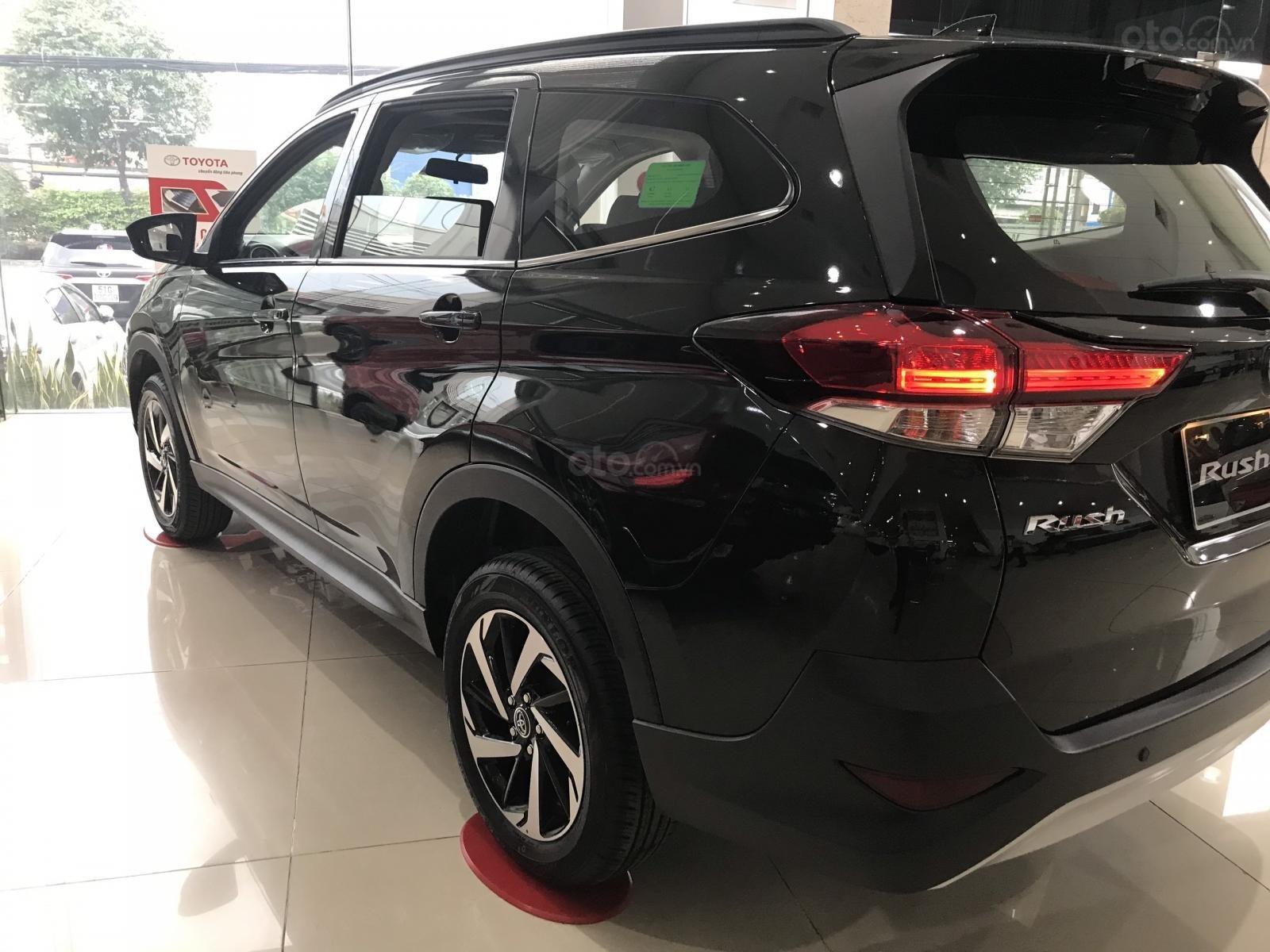 Toyota Rush nhập khẩu nguyên chiếc, khuyến mãi khủng tháng 9/2020, xe đủ màu giao ngay (15)