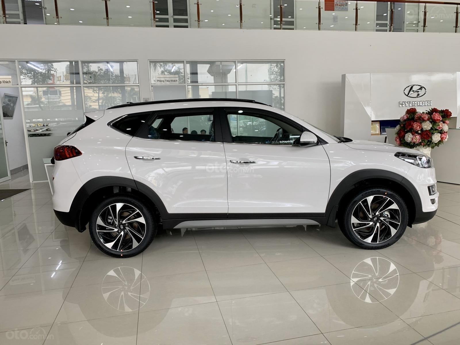 Hyundai Tucson 2020 giảm ngay 50% thuế TB + quà tặng cực kỳ hấp dẫn, trả trước 200 triệu nhận ngay xe (3)