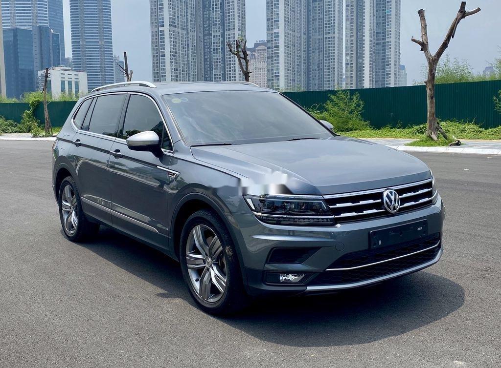 Cần bán lại xe Volkswagen Tiguan 2018, màu xám, nhập khẩu nguyên chiếc (2)