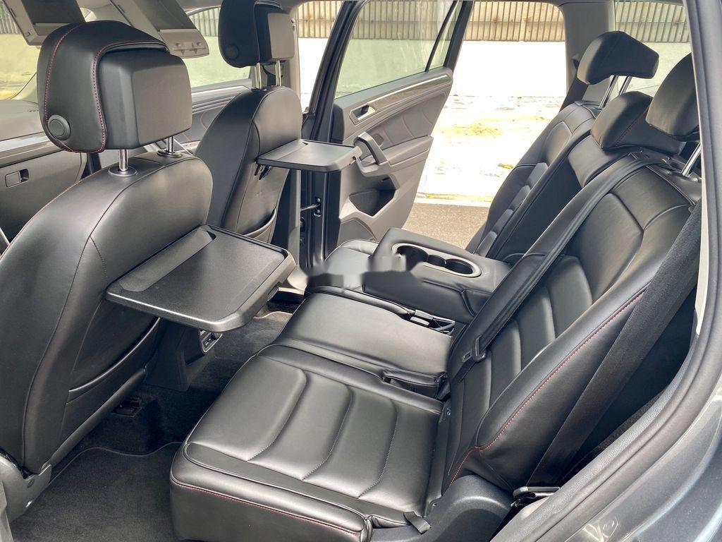 Cần bán lại xe Volkswagen Tiguan 2018, màu xám, nhập khẩu nguyên chiếc (9)