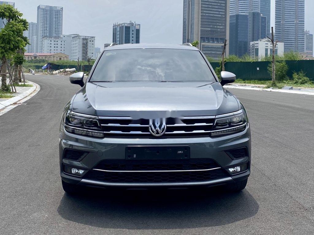 Cần bán lại xe Volkswagen Tiguan 2018, màu xám, nhập khẩu nguyên chiếc (1)