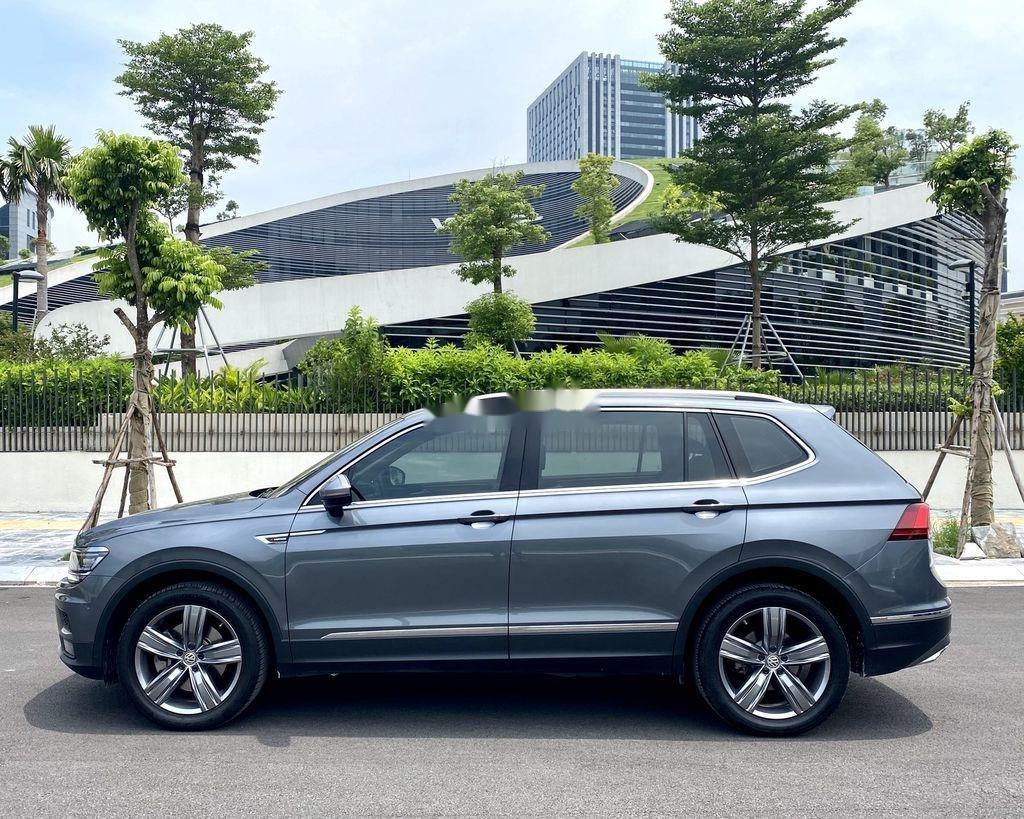 Cần bán lại xe Volkswagen Tiguan 2018, màu xám, nhập khẩu nguyên chiếc (4)