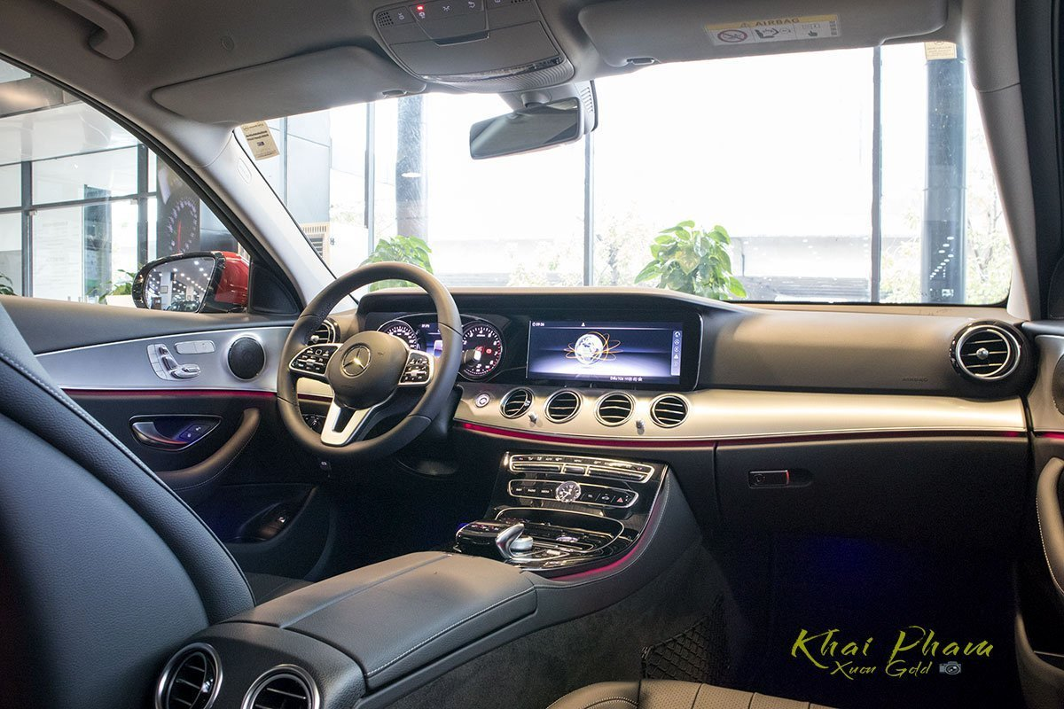 Nội thất Mercedes-Benz E-Class 2020 1.