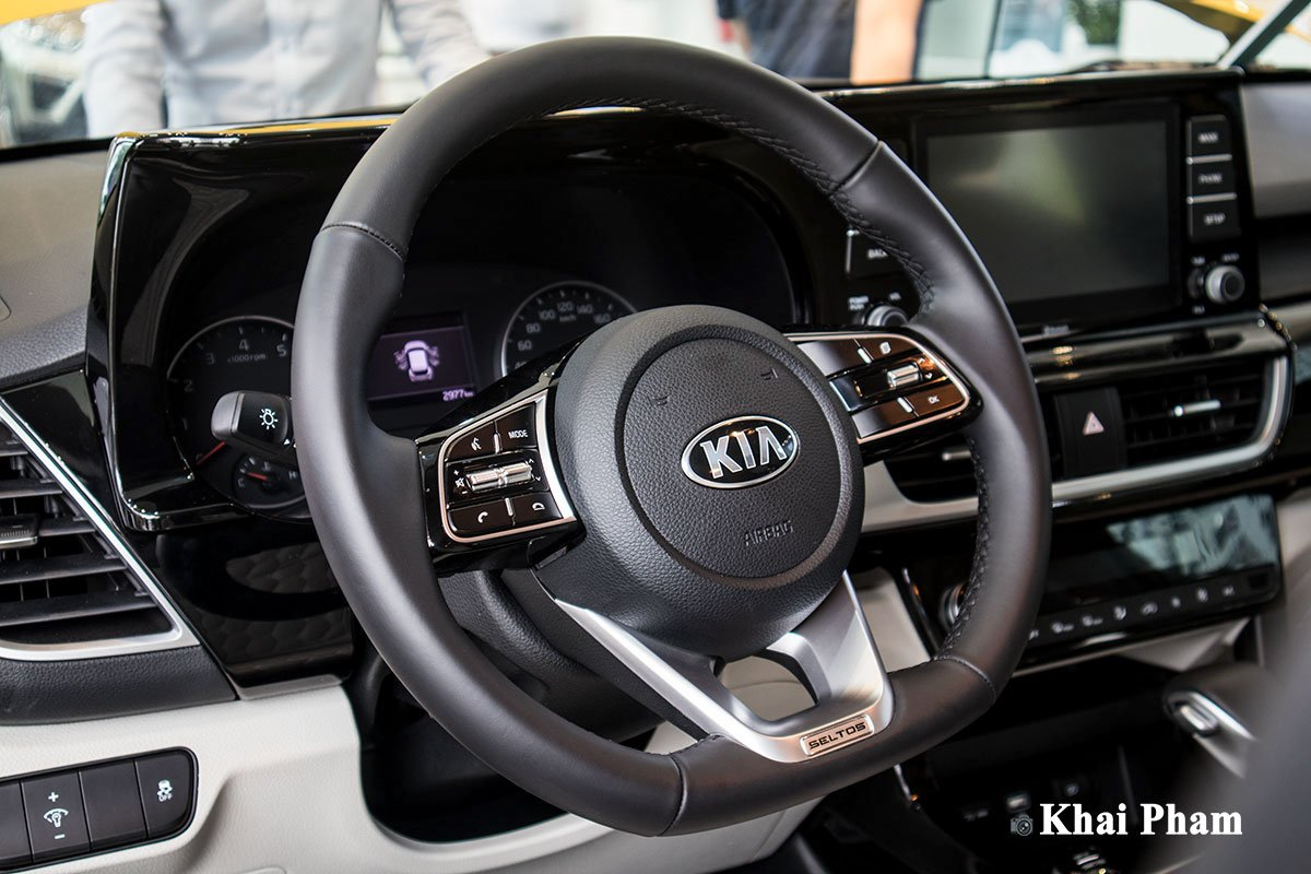 Ảnh Vô-lăng xe Kia Seltos Luxury 2020