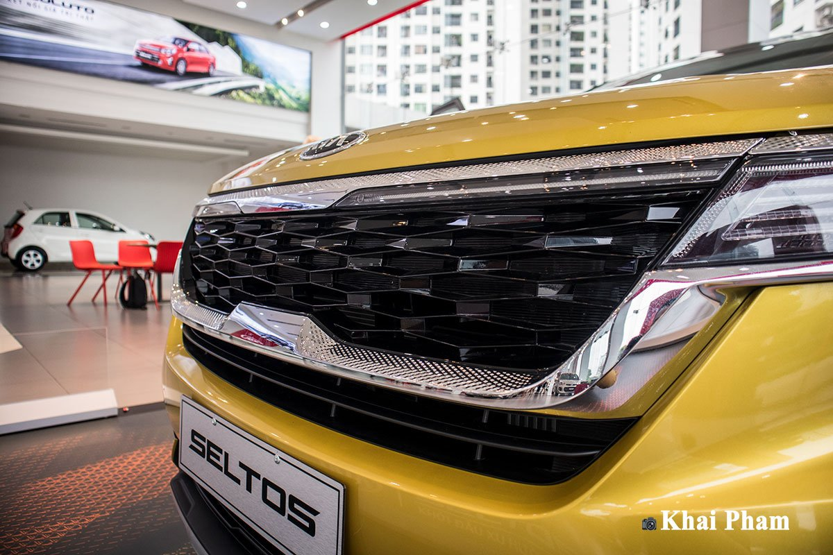 Ảnh Lưới tản nhiệt xe Kia Seltos Luxury 2020