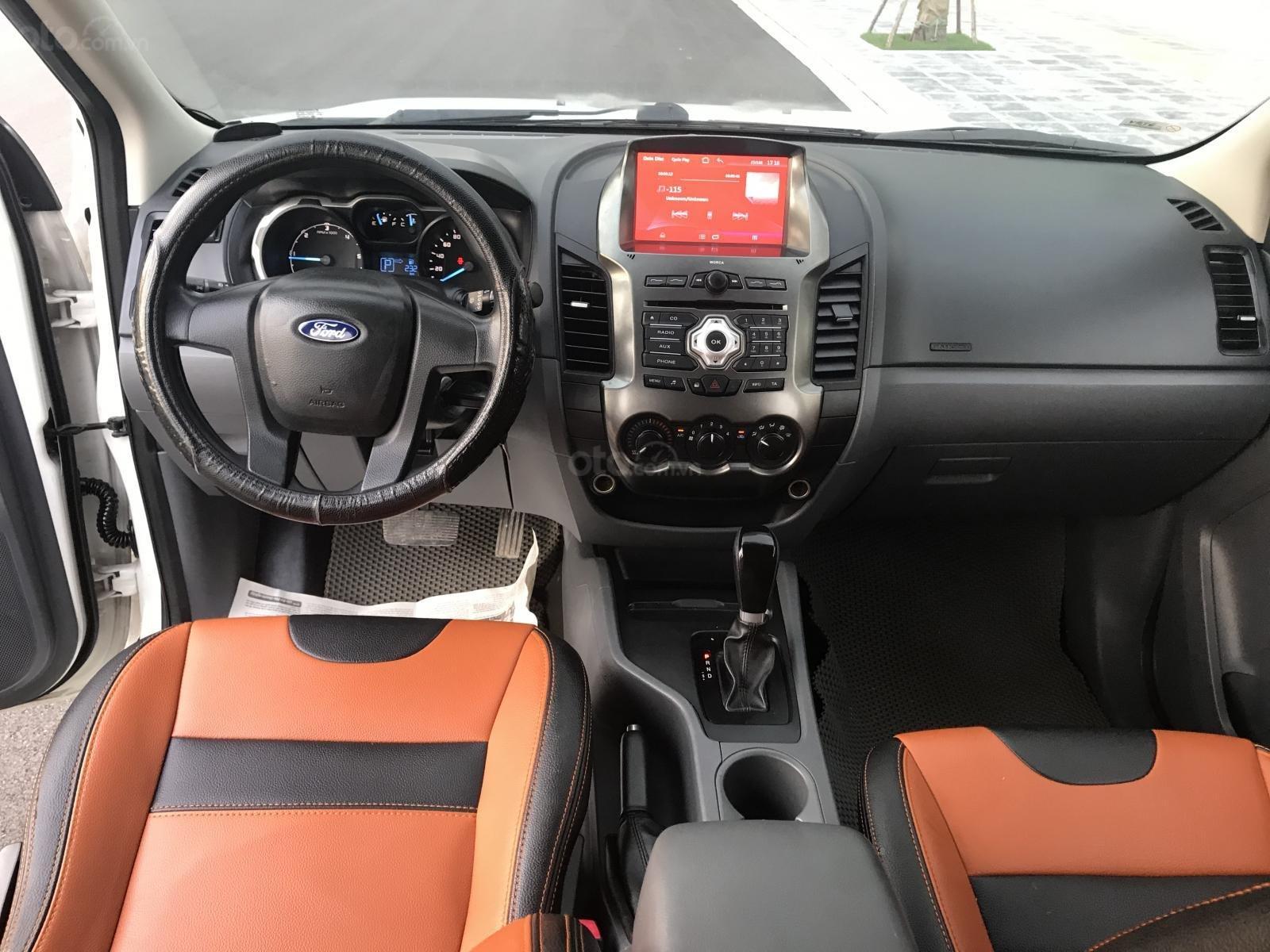 Cần bán gấp Ford Ranger 2.2 số tự động, SX 2014, xe đẹp (11)