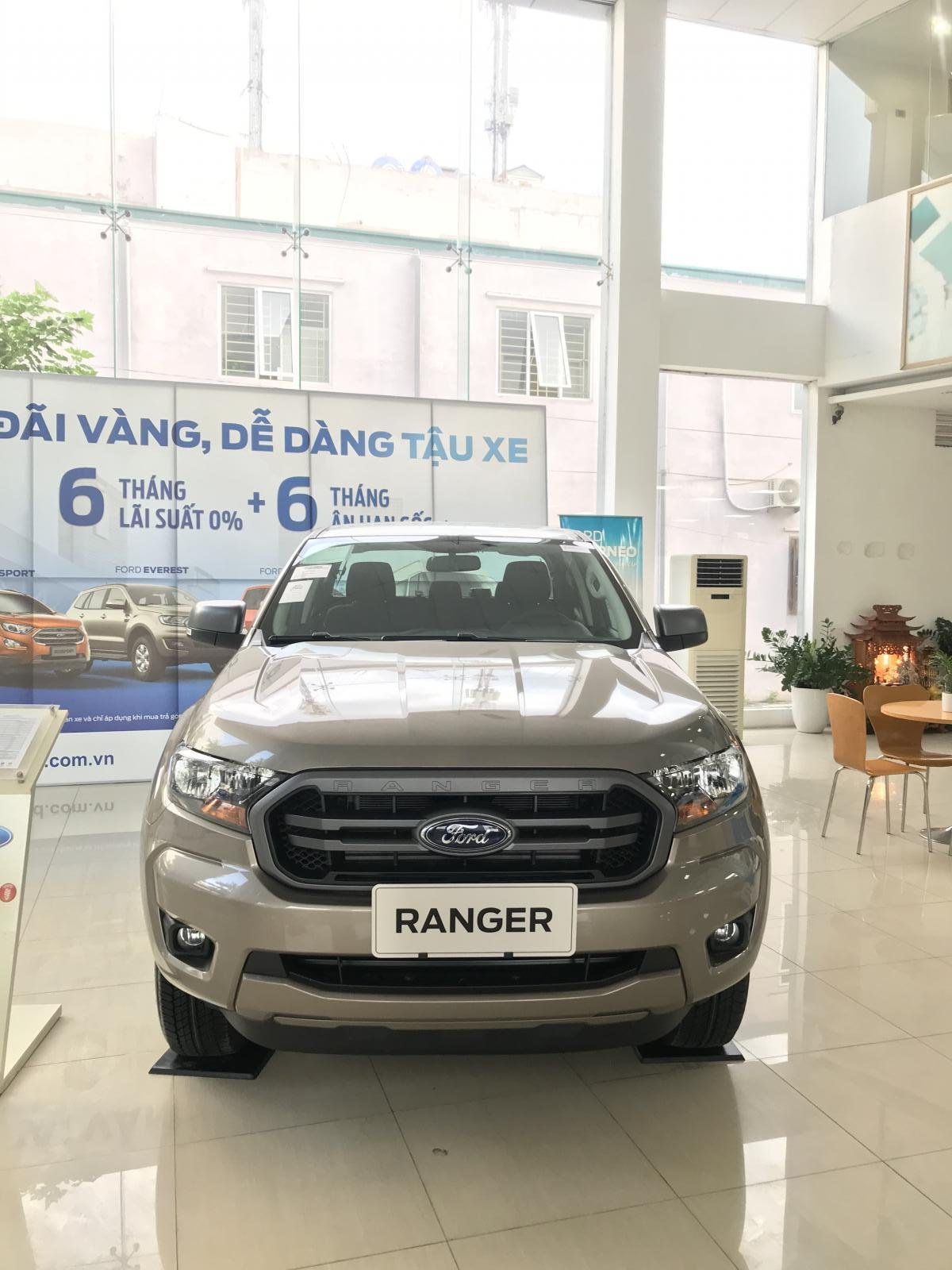 Cần bán xe Ford Ranger XLS 4x2 AT 2020, 1 cầu số tự động (2)