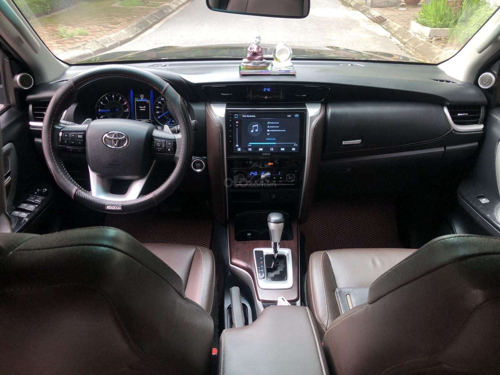 Gia Hưng Auto bán xe Toyota Fortuner 2.7V màu đen sản xuất 2017 bản 4x2 AT (8)