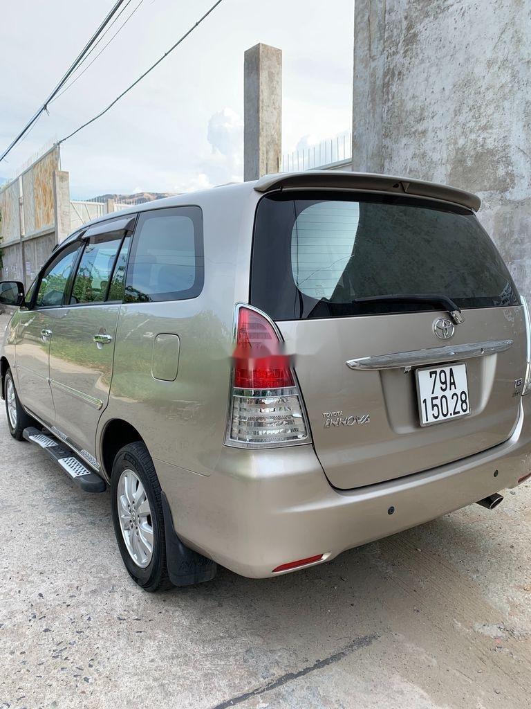 Bán Toyota Innova năm sản xuất 2010, chính chủ sử dụng (4)