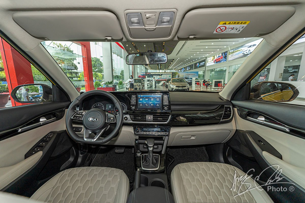 Ảnh Khoang lái xe Kia Seltos Luxury 2020