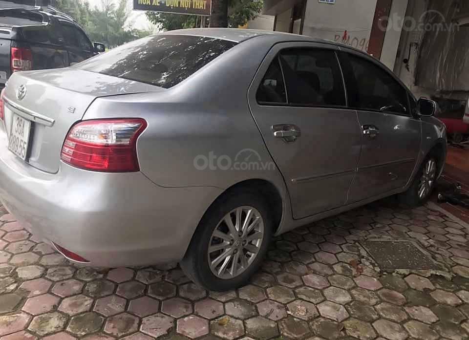 Cần bán lại xe Toyota Vios sản xuất năm 2011, màu bạc xe gia đình, giá 285tr (2)