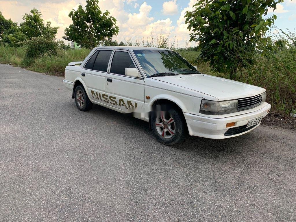 Cần bán Nissan Bluebird đời 1987, màu trắng, nhập khẩu nguyên chiếc, giá chỉ 30 triệu (1)