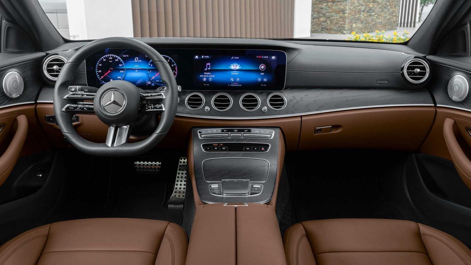 Mercedes-Benz E-Class 2021 hứa hẹn cung cấp cảm giác lái tuyệt vời hơn.