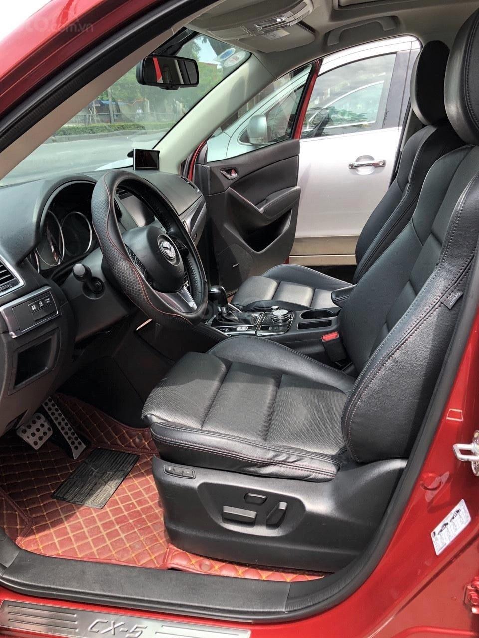 Không gian hàng ghế trước xe Mazda CX-5 2017 1