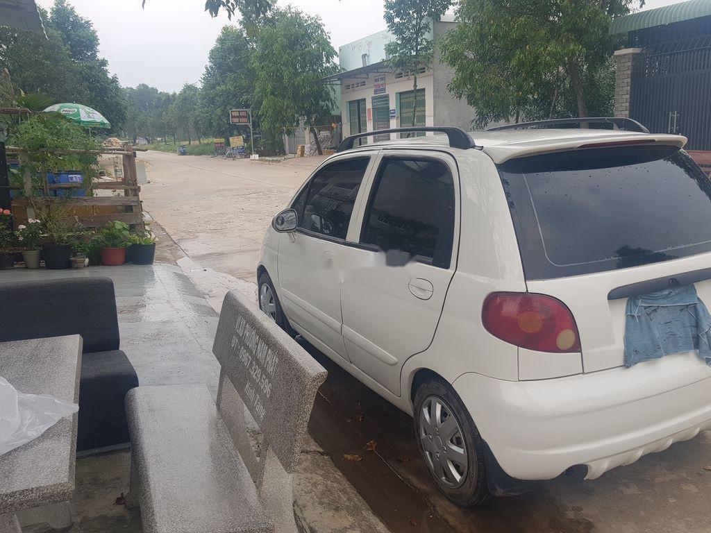 Cần bán Daewoo Matiz năm sản xuất 2005, màu trắng, số sàn (4)