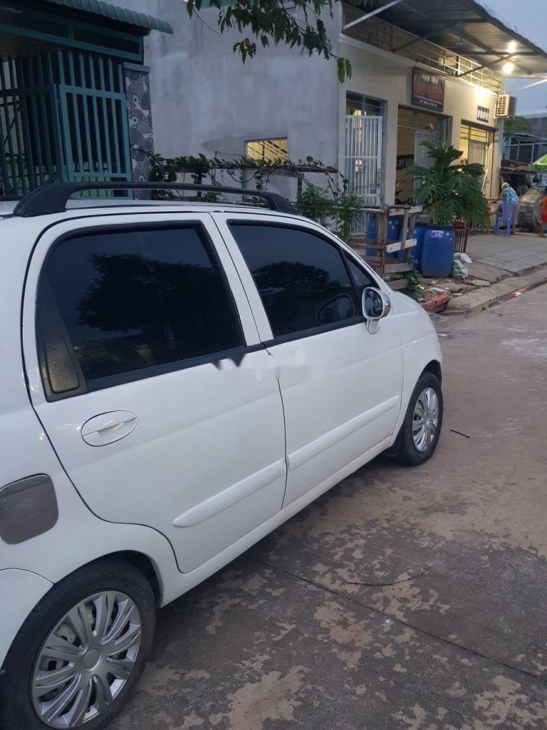 Cần bán Daewoo Matiz năm sản xuất 2005, màu trắng, số sàn (2)
