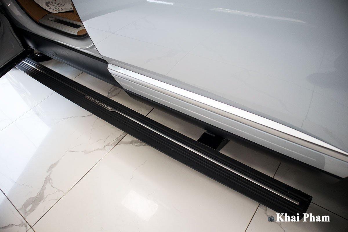 Ảnh Bậc lên/xuống xe Range Rover SVAutobiography 2020 a1