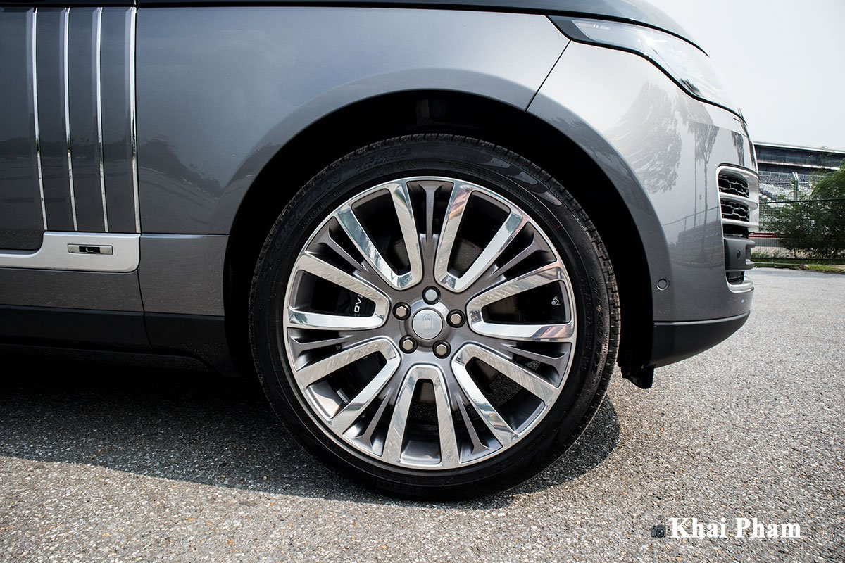 Ảnh La-zăng xe Range Rover SVAutobiography 2020