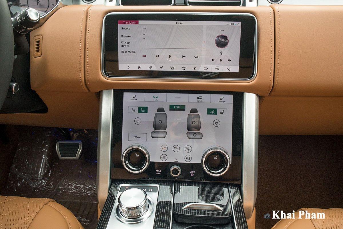 Ảnh Khu vực điều khiển xe Range Rover SVAutobiography 2020
