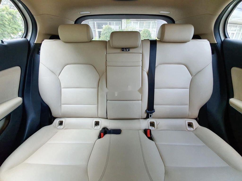Cần bán lại xe Mercedes GLA200 năm sản xuất 2015, màu trắng (10)