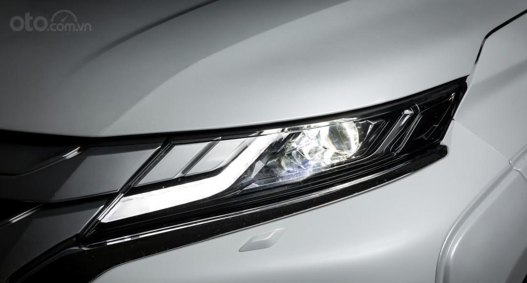 [Hot] Mitsubishi Triton 2020 giá tốt nhất Thái Nguyên, giảm tiền mặt, kèm KM khủng trả trước 150tr nhận ngay xe, đủ màu (12)