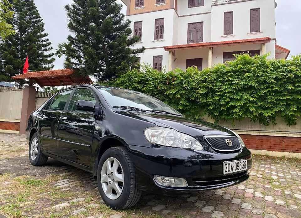 Cần bán xe Toyota Corolla sản xuất 2007, màu đen còn mới (1)