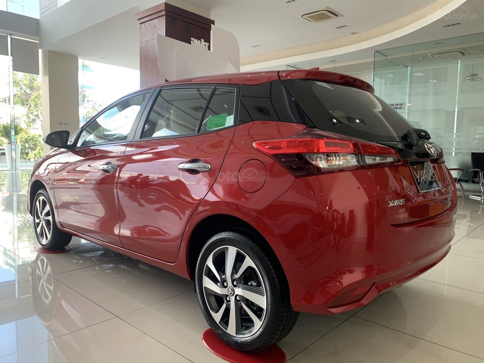 Bán Toyota Yaris 2020, màu đỏ, nhập khẩu Thái Lan (3)