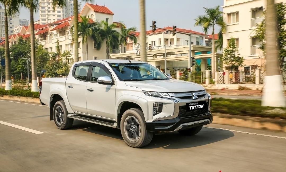 [Hot] Mitsubishi Triton 2020 giá tốt nhất Thái Nguyên, giảm tiền mặt, kèm KM khủng trả trước 150tr nhận ngay xe, đủ màu (1)