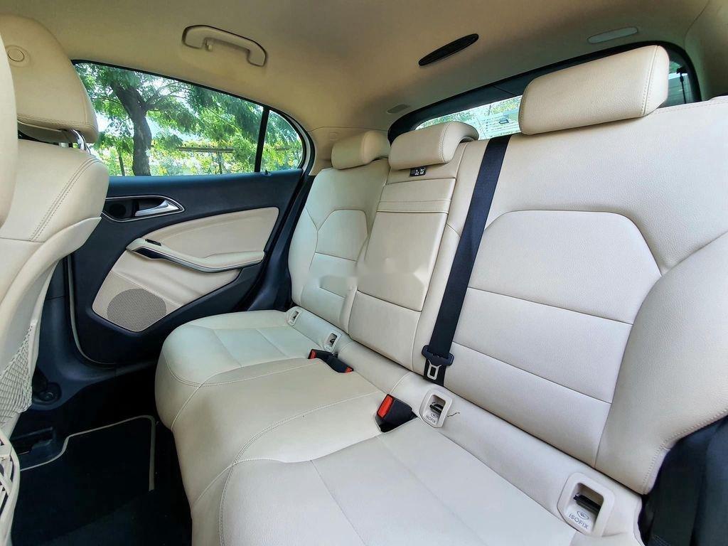 Cần bán lại xe Mercedes GLA200 năm sản xuất 2015, màu trắng (9)