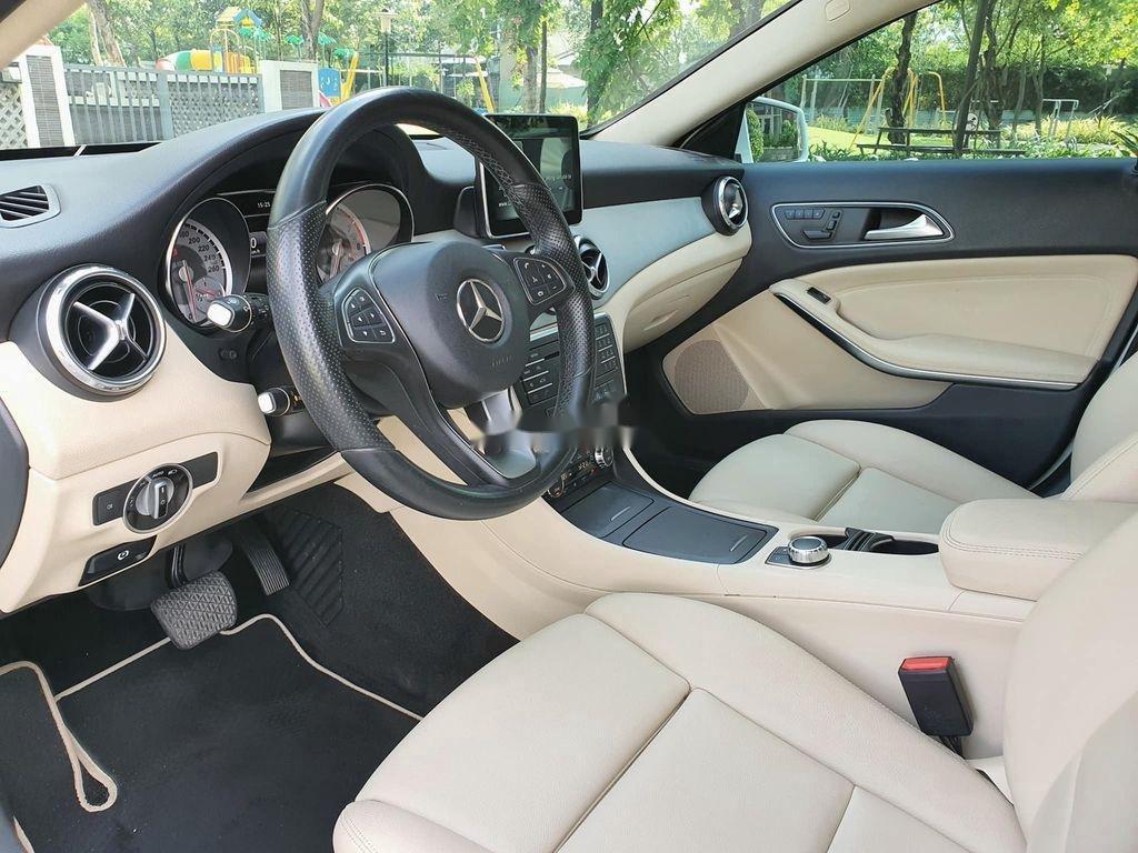Cần bán lại xe Mercedes GLA200 năm sản xuất 2015, màu trắng (7)