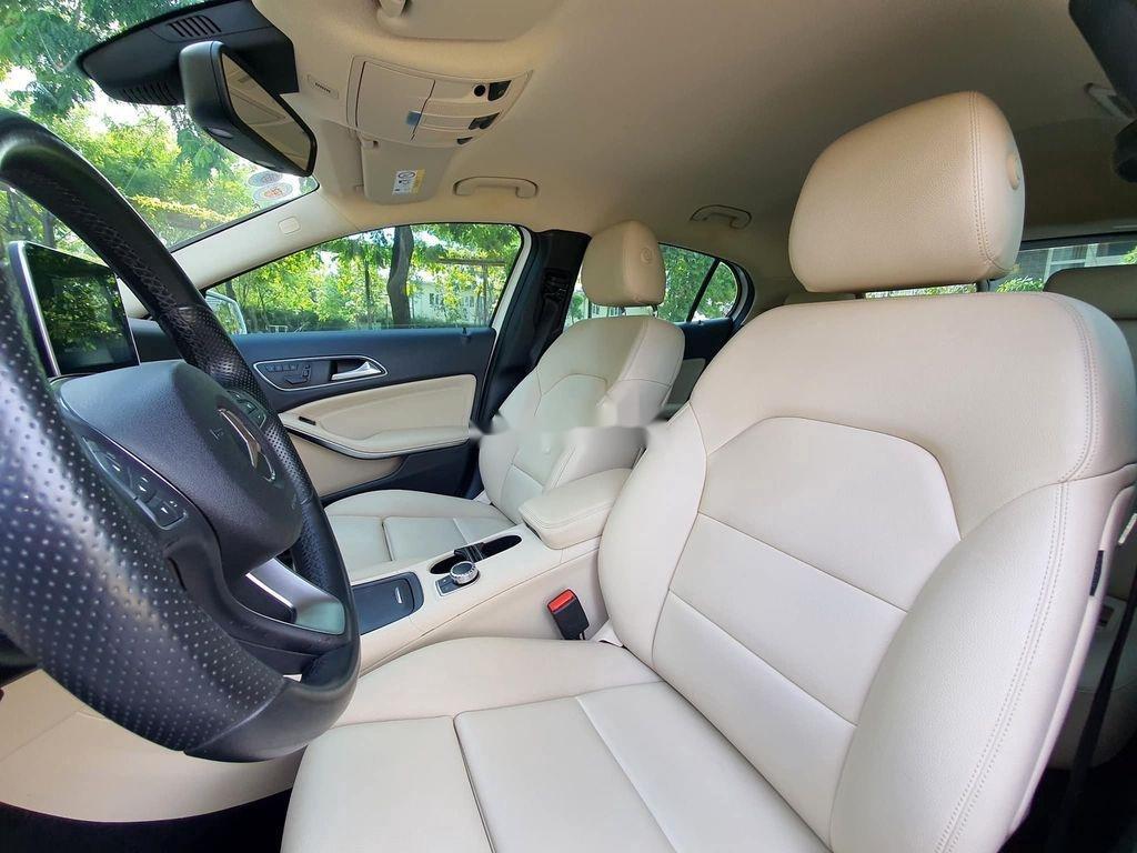 Cần bán lại xe Mercedes GLA200 năm sản xuất 2015, màu trắng (8)
