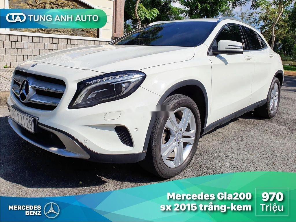 Cần bán lại xe Mercedes GLA200 năm sản xuất 2015, màu trắng (1)